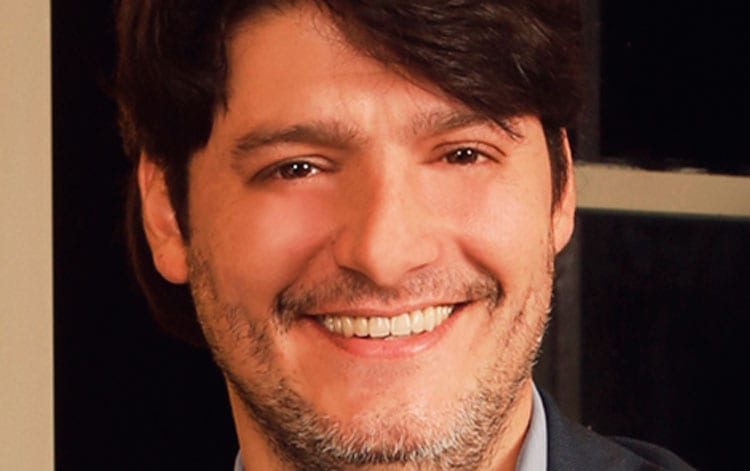 Carlos Hulett de VIVOplay: Estrenaremos la webserie El cabaret de High Hill Entertainment